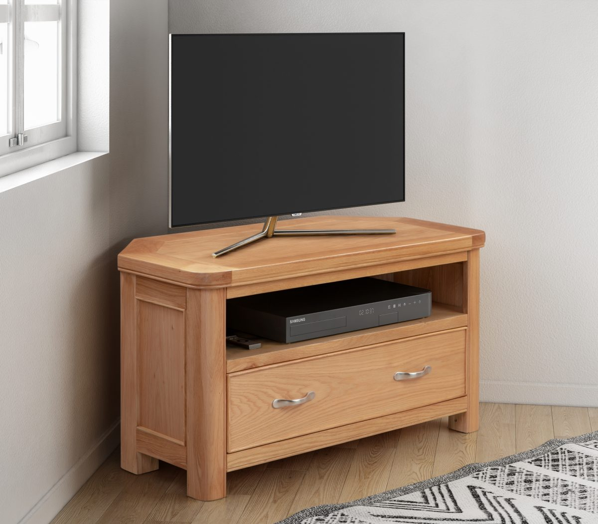 110 09 Chatsworth Corner TV Unit Feature