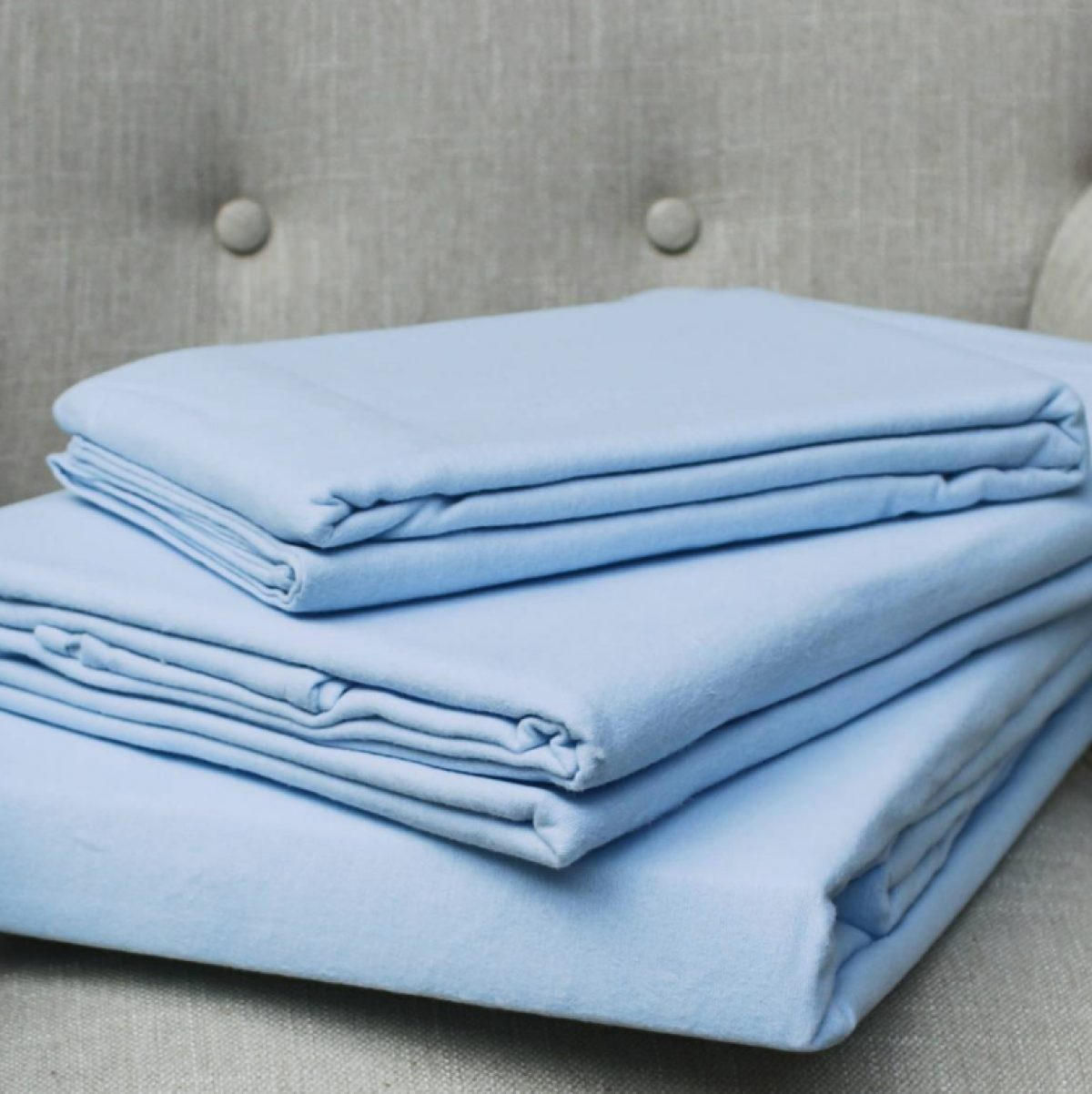 Blue fitted sheet
