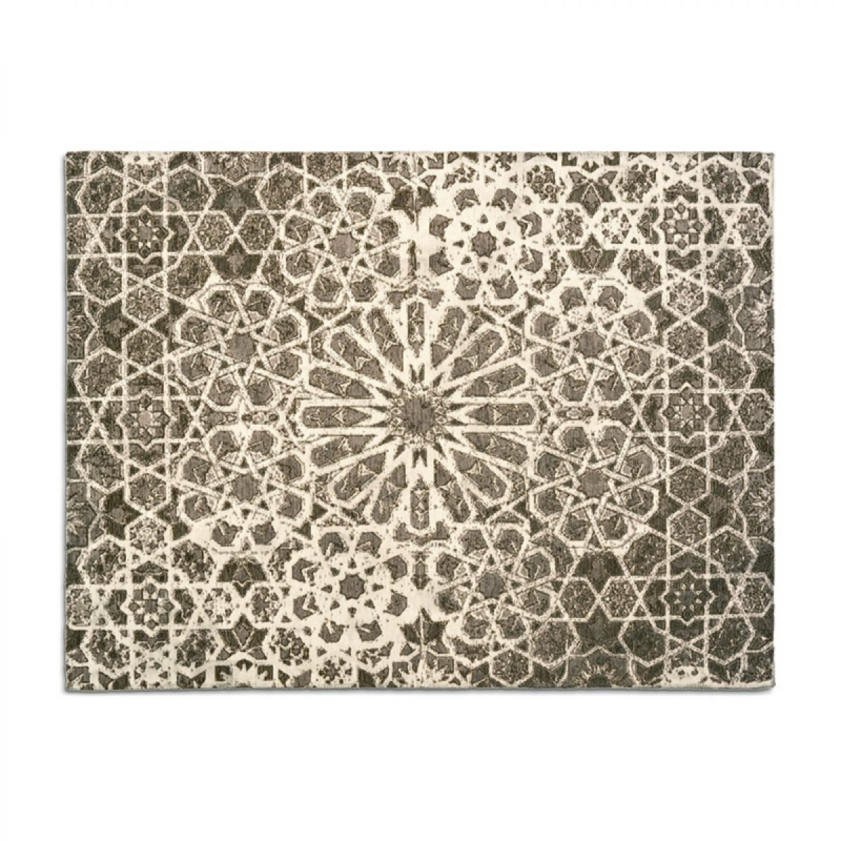 Arabia persian inspired rug with vintage look by calligaris