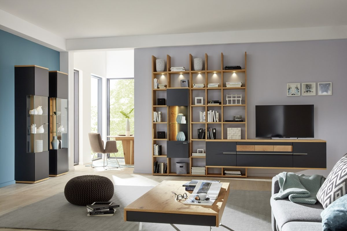 AT94 U12 27 R CT507 125 A in anthracite lacquer honey oak timber and grained oak accent