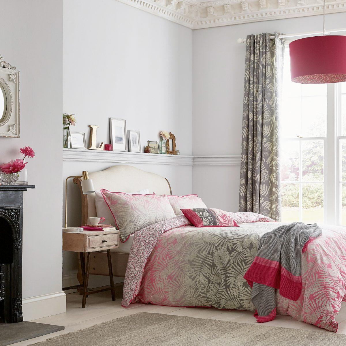Clarissa Hulse Espinillo Hot Pink Main Bed Hr