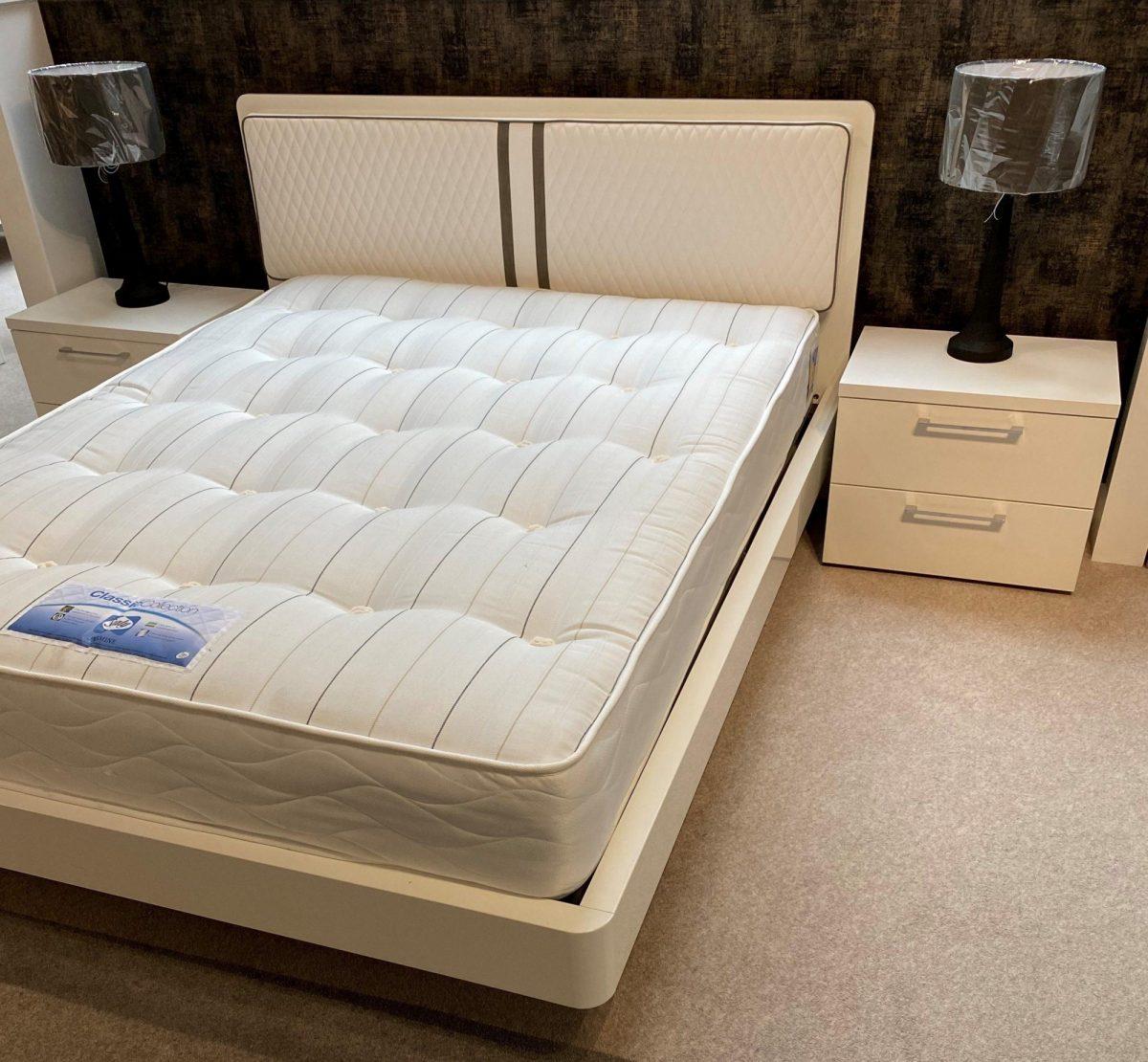 Dama Bianca Bed Side2