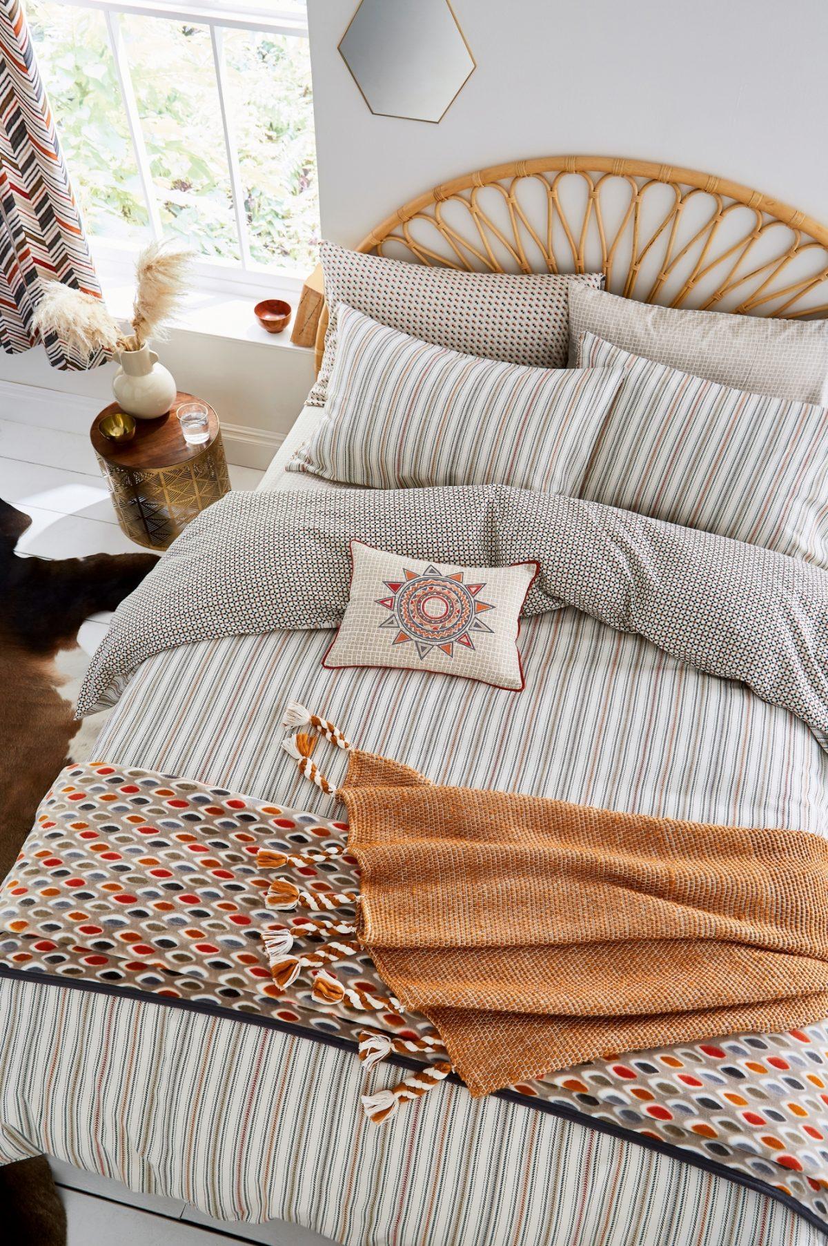 HELENA SPRINGFIELD Casablanca Sahara Main Bed HR