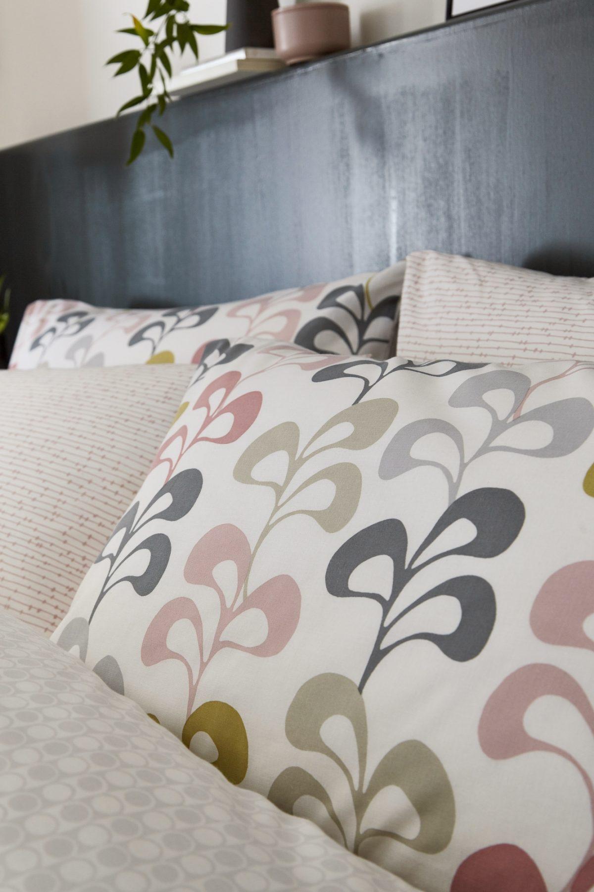 HELENA SPRINGFIELD Liv pillowcase lifestyle