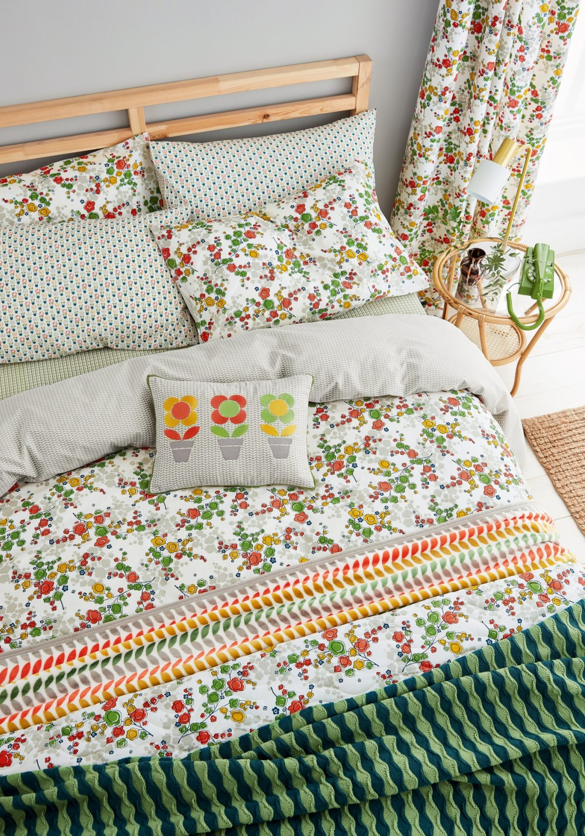 Hs April Spring Green Main Bed Hr
