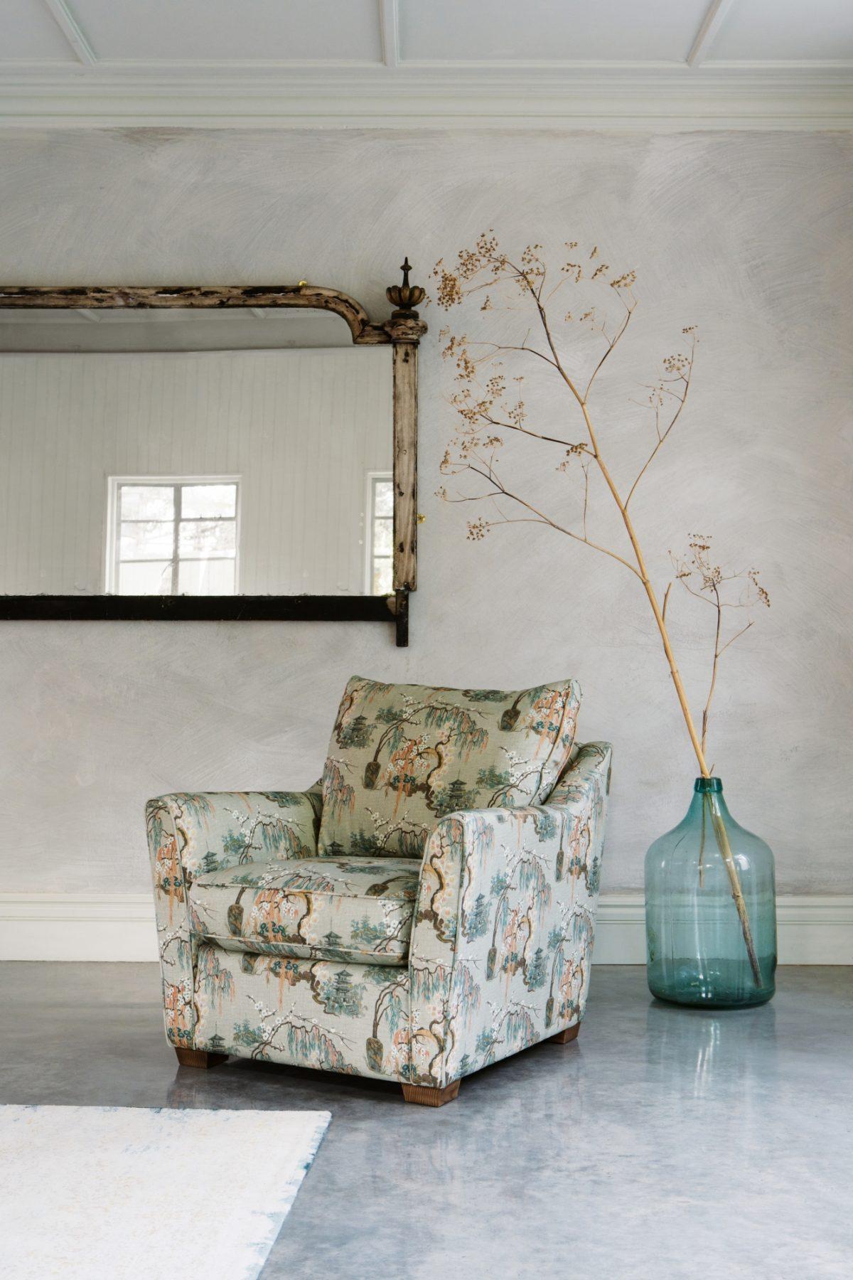 Hawthorne Chair in Temple Rosequartz