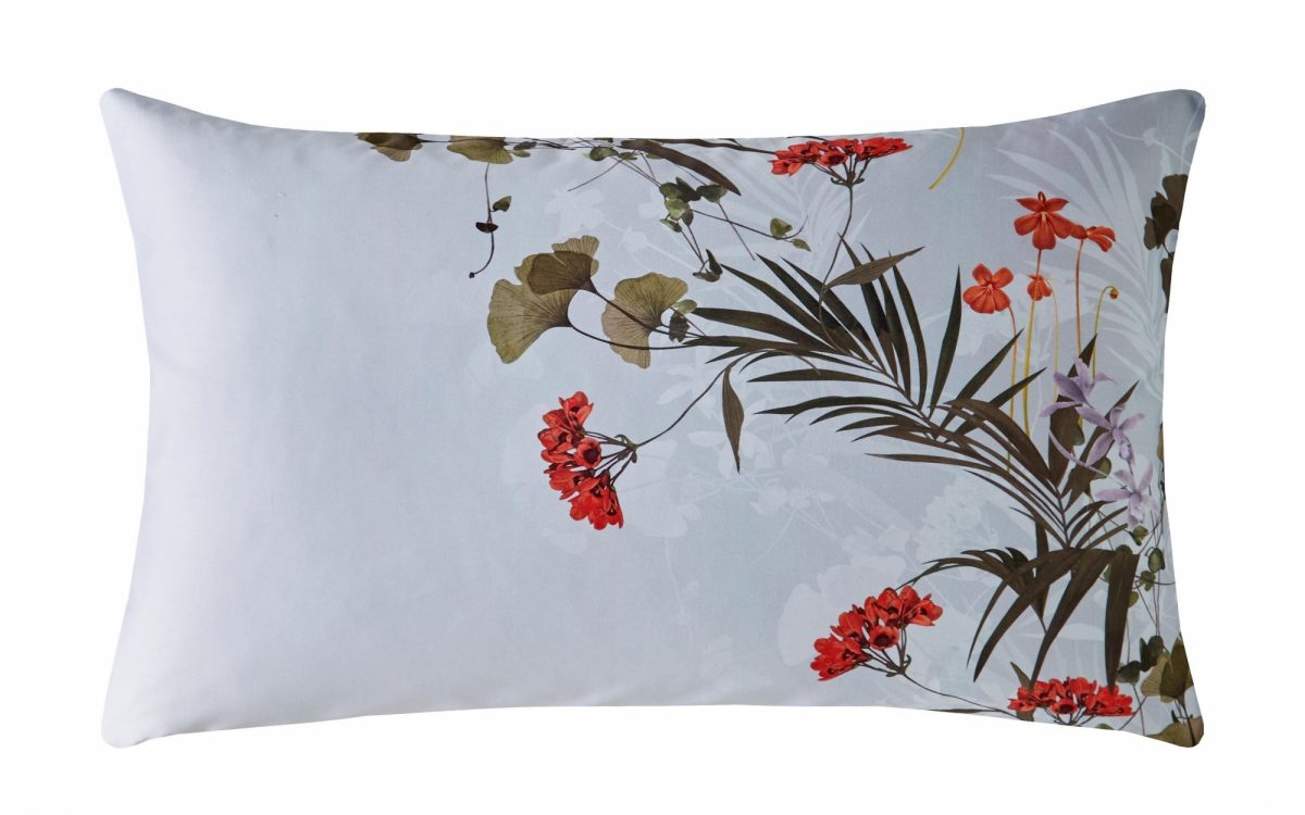 Highland Right Pillowcase Cut Out