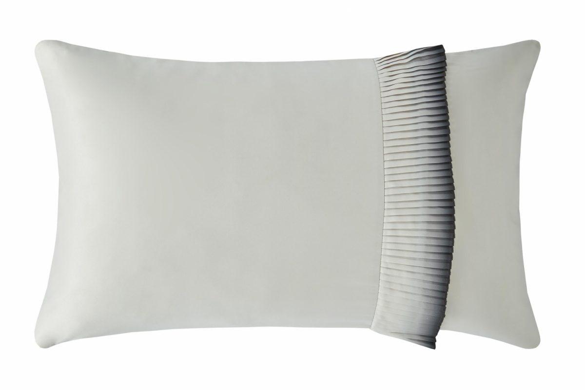 Josa Right Pillowcase Cut Out