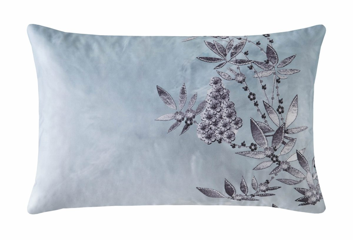 Latimer Right Pillowcase Cut Out