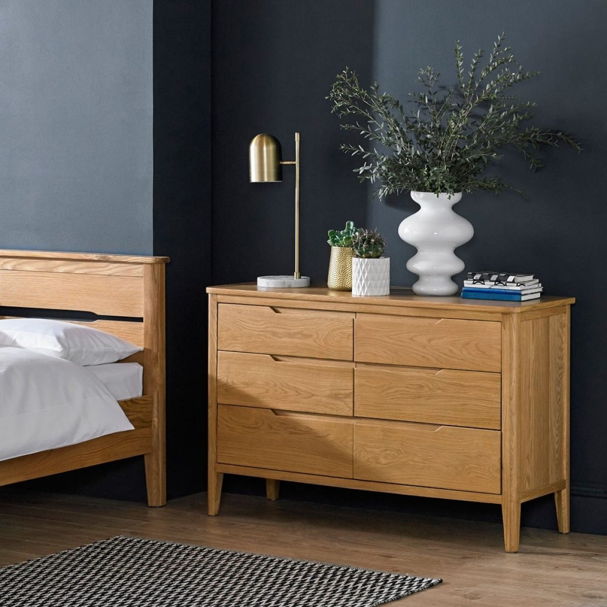 NEW Hartuka chest of drawers MT 04