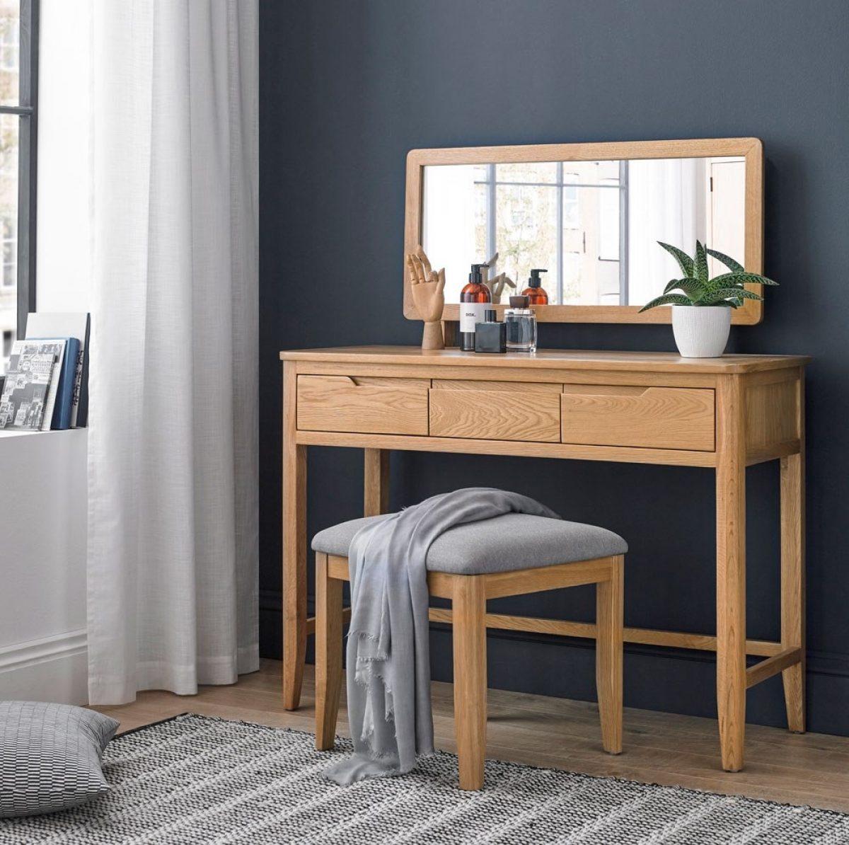 NEW Hartuka dressing table MT 09