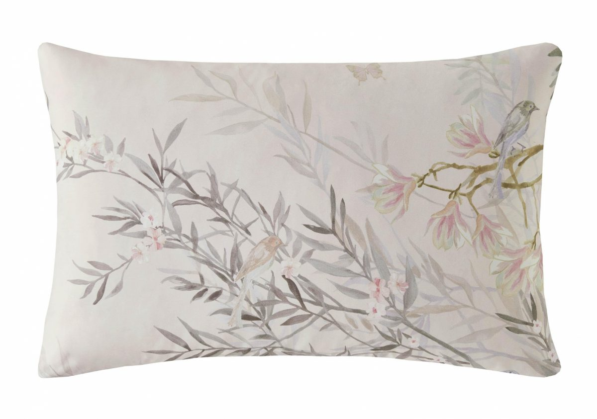 Ortensia Right Pillowcase Cut Out
