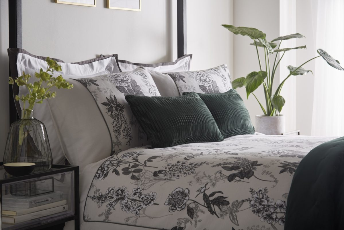 PILLOWCASE AND ACCESSORIES LANDSCAPE