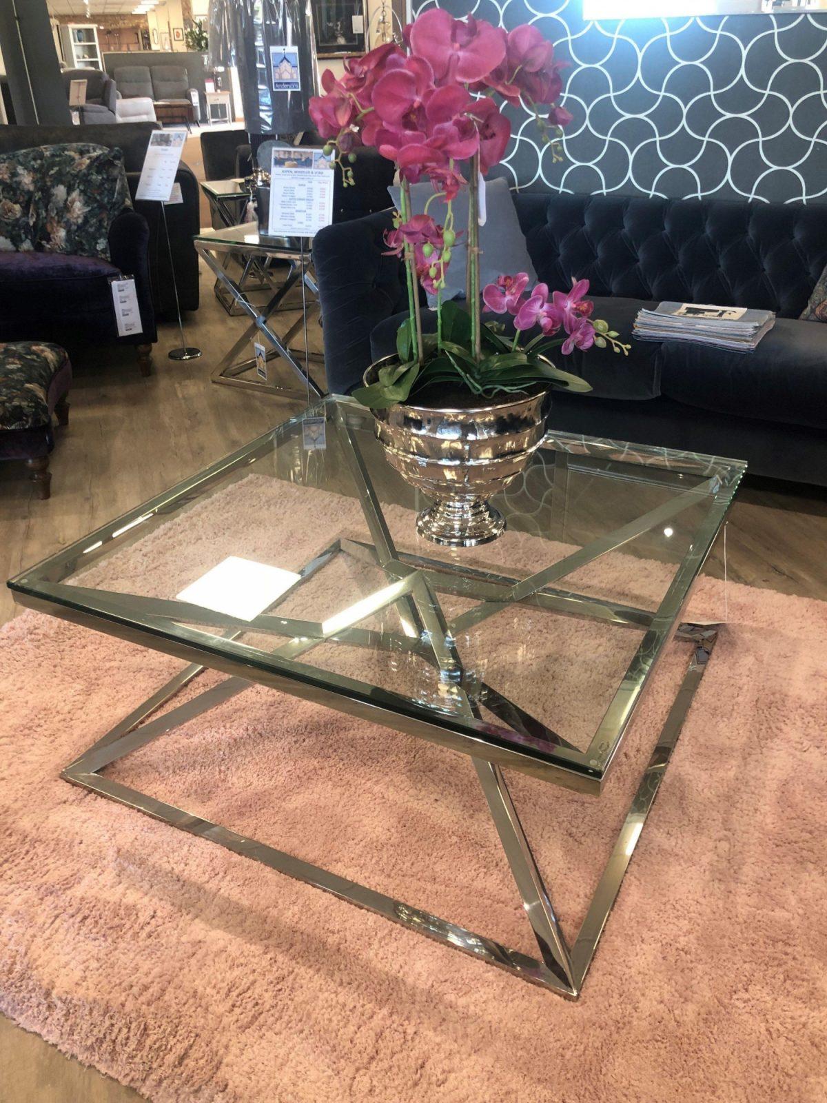 Sqaure coffee table