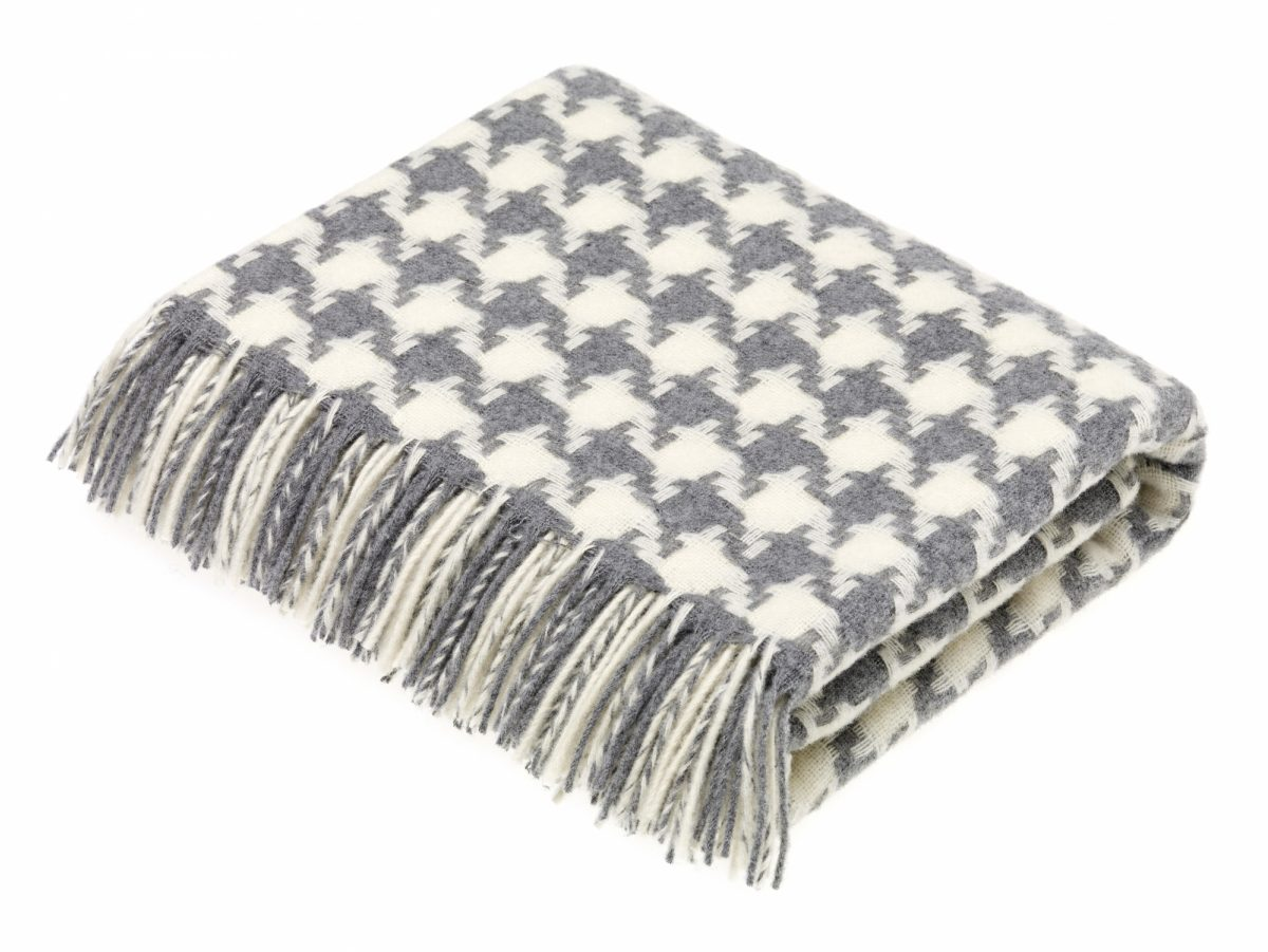 T0429 E04 Lambswool Houndstooth Grey Throw