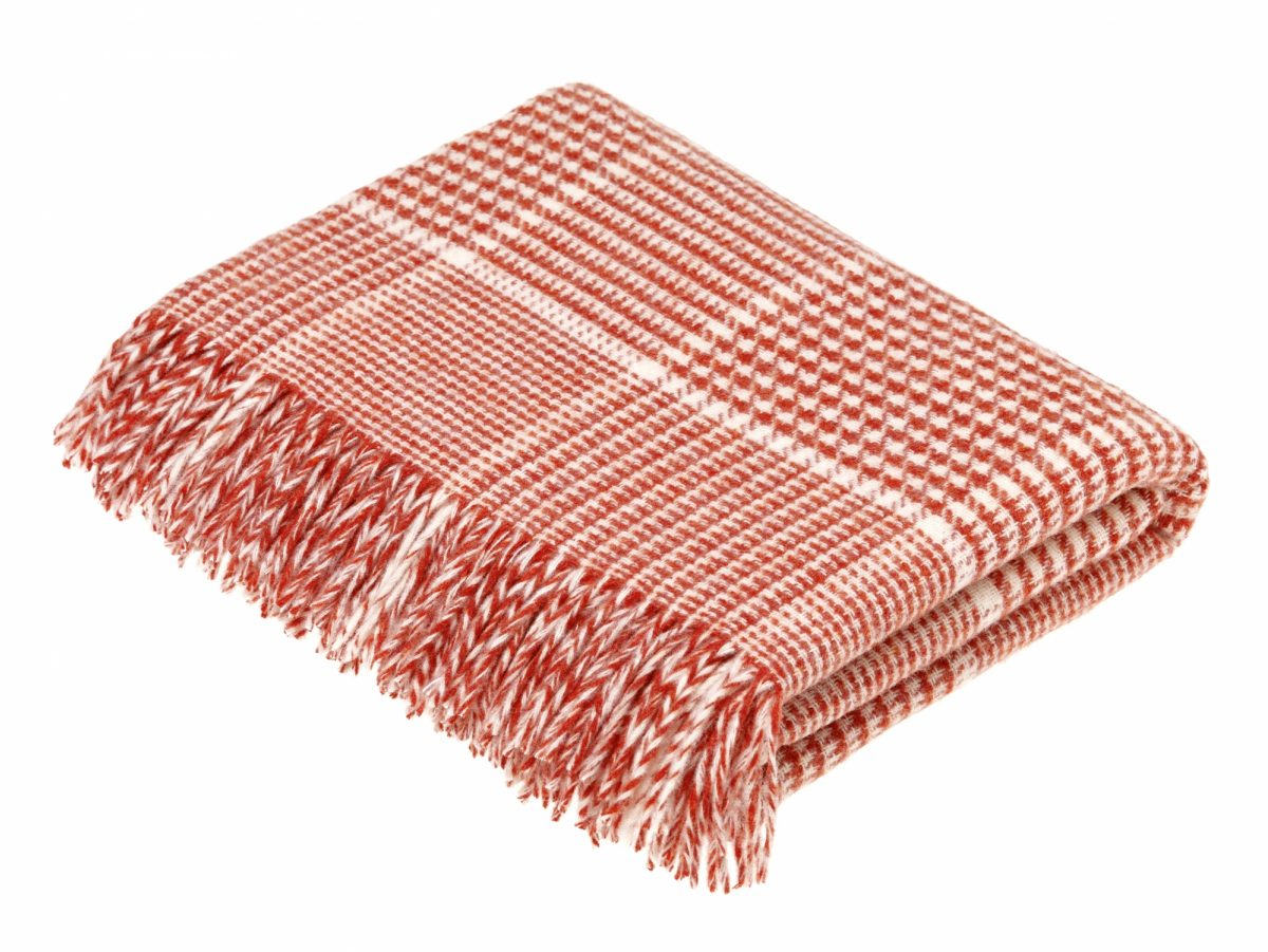T0452 F05 Lambswool Prince of Wales Coral Throw