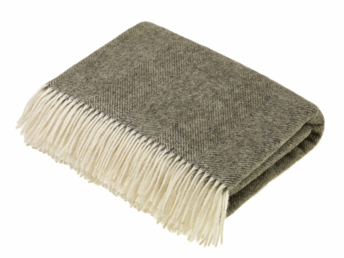 T0570 A03 Lambswool Herringbone Vintage Grey Throw