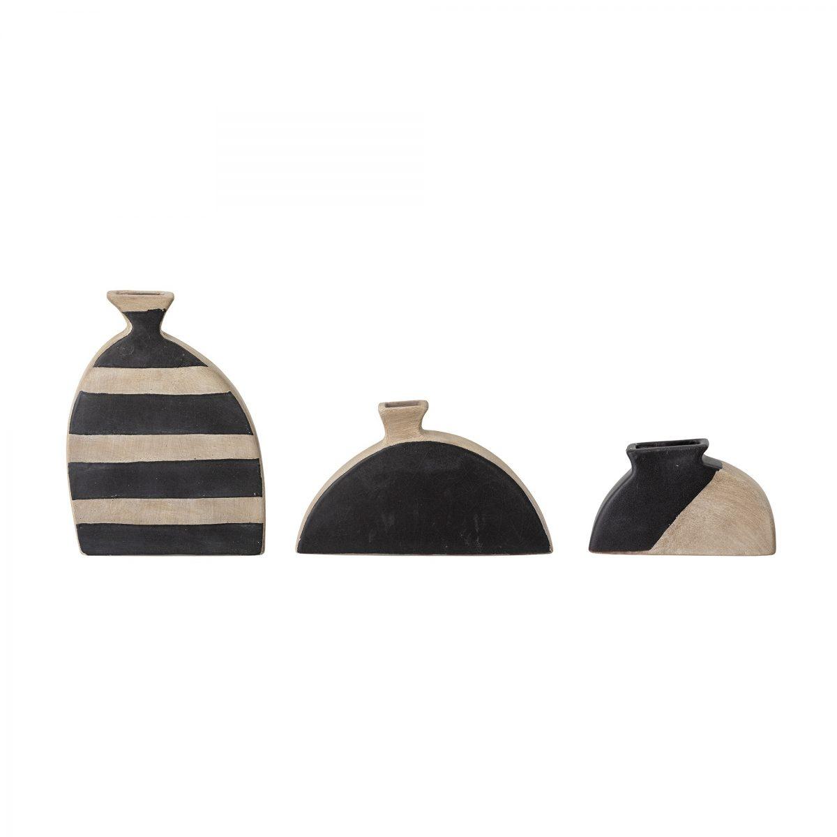 Terracotta vase 1 2