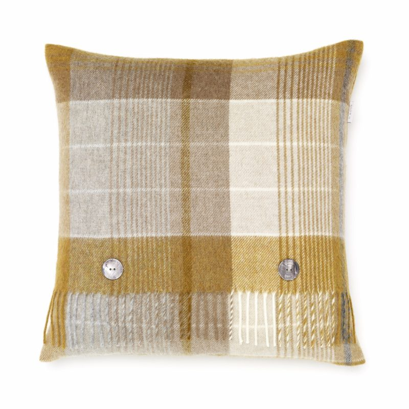 T0583 A01 LC lambswool FLORENCE GOLD cushion