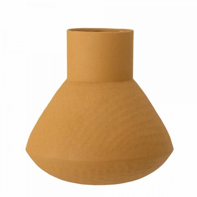 Isira vase