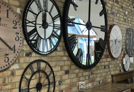 Clock-wall